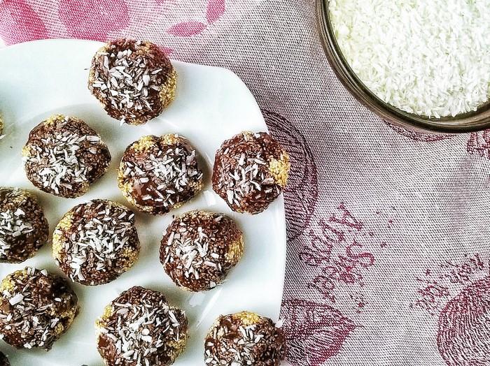 Kuleczki amarantusowe oblane czekoladą