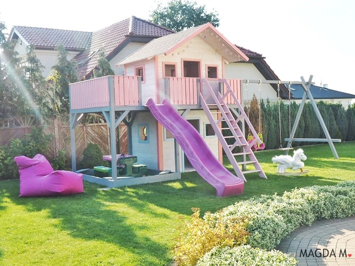 różowo biały plac zabaw